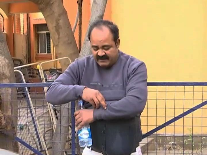 , ಹೈದರಾಬಾದ್ಗೂ ಕಾಲಿಡ್ತಾ ಕೊರೆೊನಾ? ಆಸ್ಪತ್ರೆ ಎದುರು DHO ಆತ್ಮಹತ್ಯೆಗೆ ಯತ್ನಿಸಿದ್ದೇಕೆ?